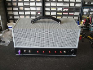 jeremy's finished amp rear